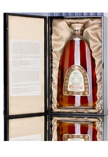 Original Aged Miodula Eichenfass-Honigwodka in Sherryfass-Luxusbox in piano-weiß